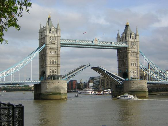 ZrQLUrPTW5hMyMGd7q4A_london_bridge